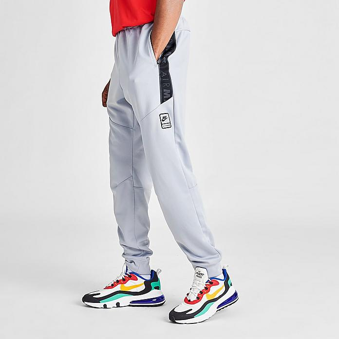 jogger nike sportswear air max