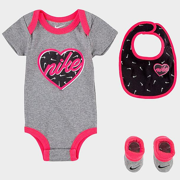 girls infant nike 3 piece bib and booties heart box set jd sports girls infant nike 3 piece bib and